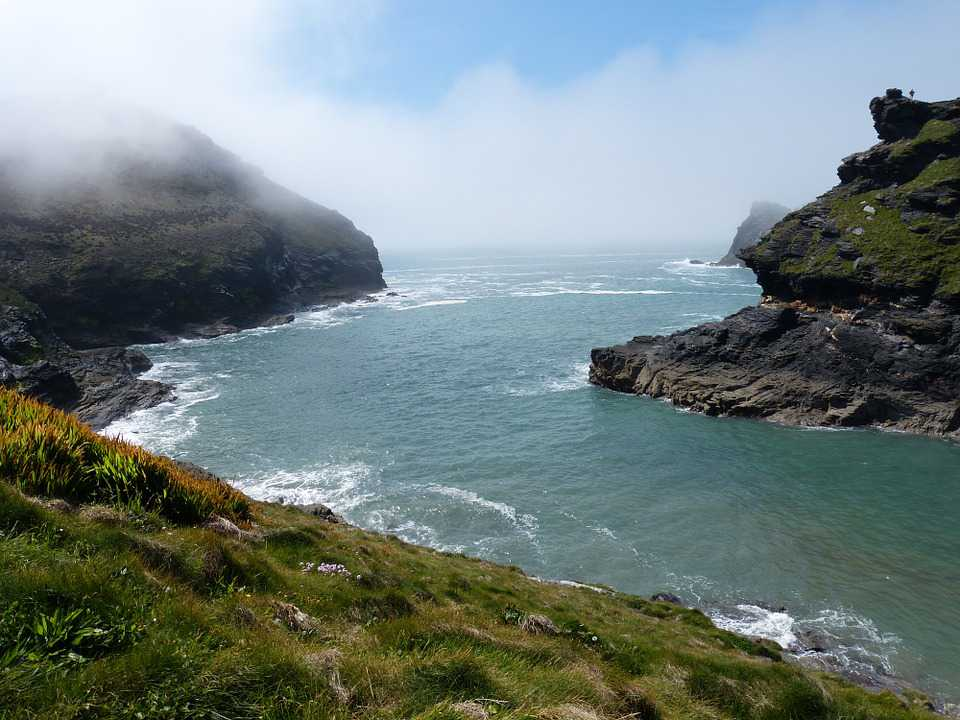 Cornwall Boscastle Coast Rock Fog - Poster and Wallpaper Download