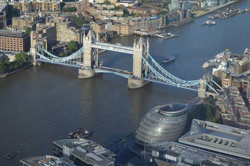Tower Bridge London River England - Poster and Wallpaper Download