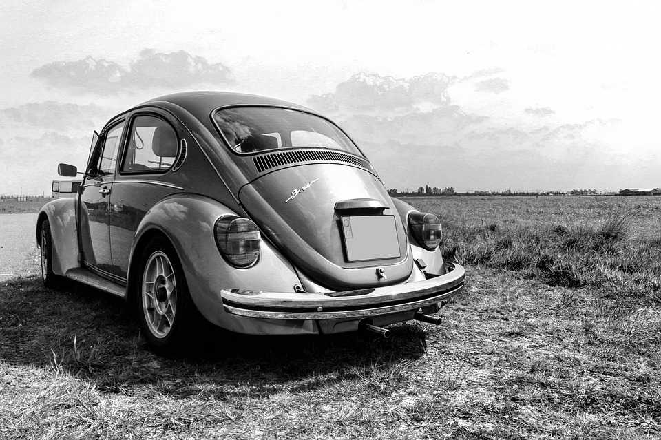 Volkswagen Beetle Bug Black White - Poster and Wallpaper Download