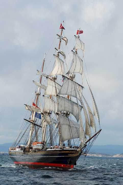 Clipper Ship Three Masted Sails - Poster and Wallpaper Download