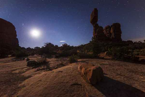 Poster Rock Desert Night Moonshine Full Moon Stars Download