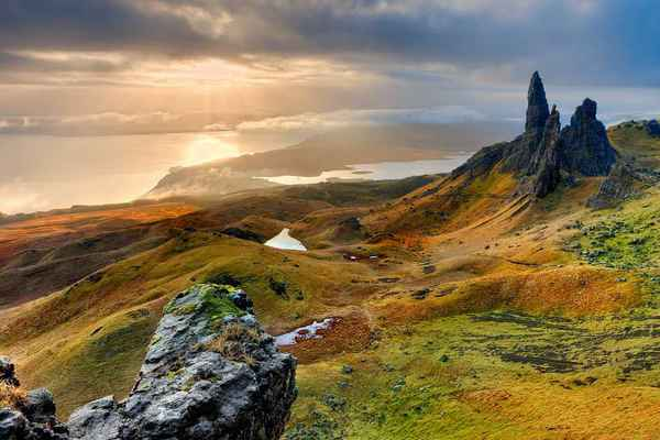 Poster Scotland Isle Of Skye Old Man Storr Download