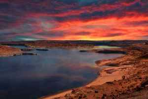 Poster Lake Powell Arizona Sunrise Glowing Sky Clouds Download